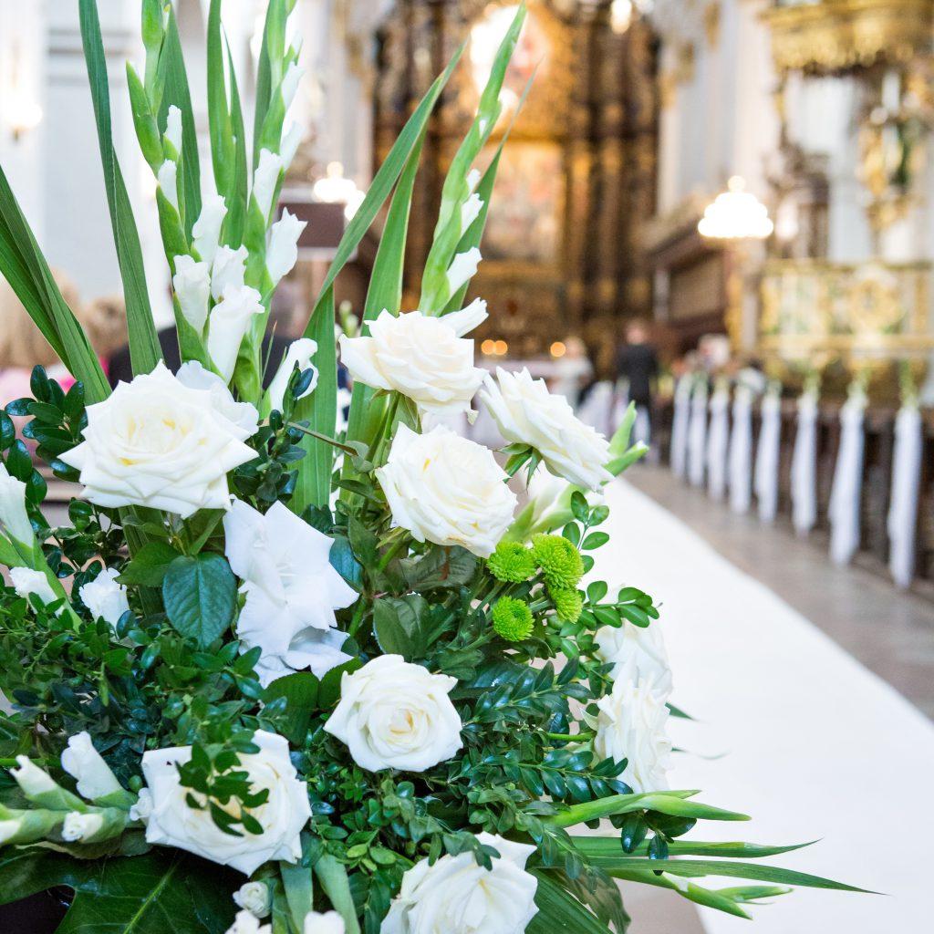 Dekoracje na ślub i wesele- dekoracje kościoła i urzędu stanu cywilnego