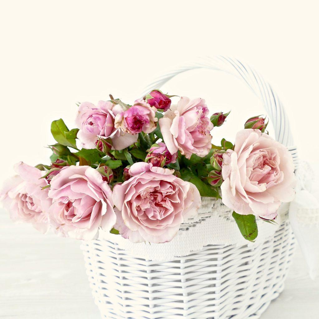 Dekoracje na ślub i wesele - kosz z kwiatami, podziękowania dla rodziców