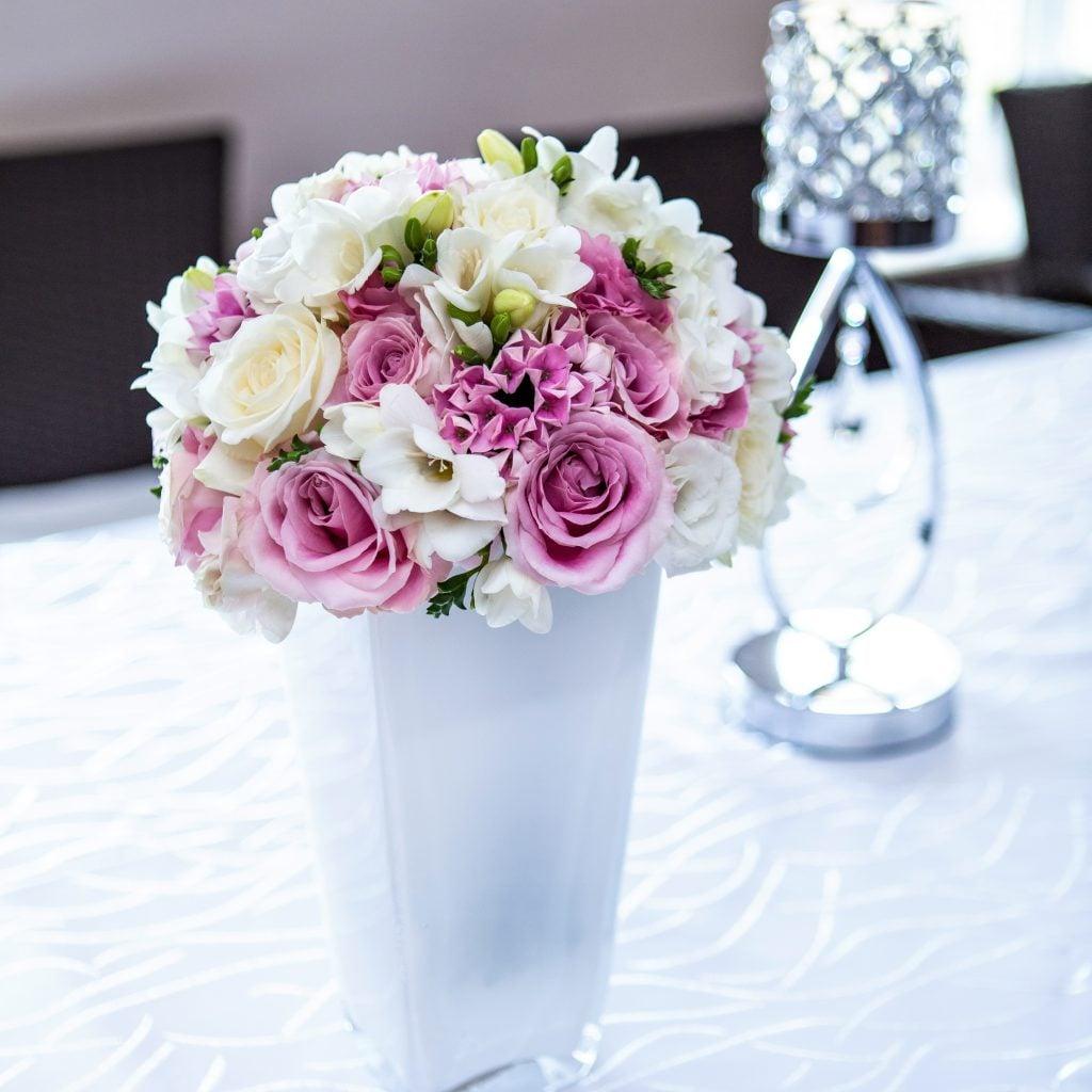 Dekoracje na ślub i wesele - kwiaty w pudełku, flowerbox