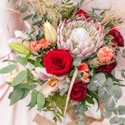 www Classy and elegant decor Dekoracje w dobrym guscie wesele szczecin bukiet wiazanka slub humanistyczny roz czerwien zielen milosc (2)
