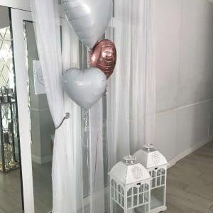 Betty-bright-wedding-planner-konsultant-slubny-agencja-eventowa-management-wejscie-powitanie-balon-z-helem-milosc-love-serca-lampion