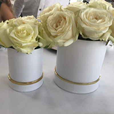 Chrzciny_chrzest_swiety_szczecin_nad_woda_dekoracje_dodatki_wypozyczalnia_kwiaty_podziekowania_szczecin_classy_and_elegant_decor_flowerbox_gold_white